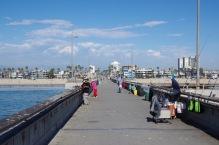 Kalastajad Santa Monica (LA) lainemurdjal