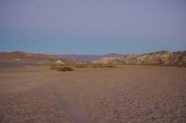 Soolaoja rajal madalate kaljude vahel peale päikeseloojangut. Ainus aeg ja koht, kus ma olin ainuke turist kusagil Surmaorus.