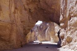 Looduslik sild teiselt poolt. Taamal aimatavad Surmaoru põhjaviirud.