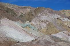 Värvilised mäed Surmaorus ei osutunud teab mis vaatamisväärsuseks.