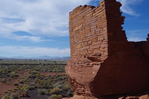 Wupatki külainimeste rajatise varemed ja vaade ümbritsevale.