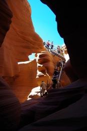 Keelatud ülesvõte kanjonisse laskumise tehnilisest lahendusest.