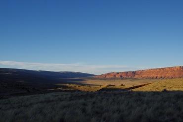 Õhtuvarjud Vermilioni kaljudel, teel Suure Kanjoni põhjaservale.
