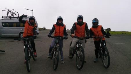 Meie neljane matkaseltskond on valmis esimeseks etapiks.
