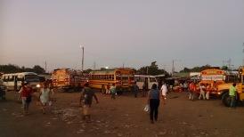 Masaya turg-bussijaam õhtusel tipptunnil.