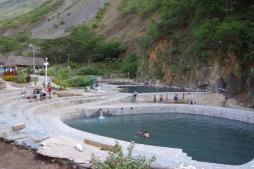 Aguas calientes - päeva lõpp ja kosutus termaalveevannis paistab!