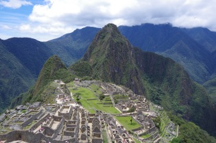 ja see klassikaline pilt, mille raamiks magav inka, suur nina püsti.