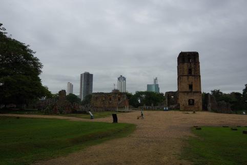 Esimese Panama linna, Casco Antigua, keskväljak ja kirikutorn.