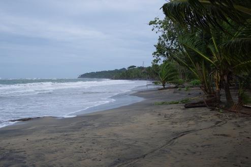 Manzanillo rand supertormi ootel inimtühi